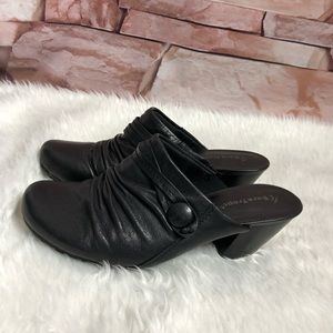 Bare traps Hilly woman shoes size 8 1/2